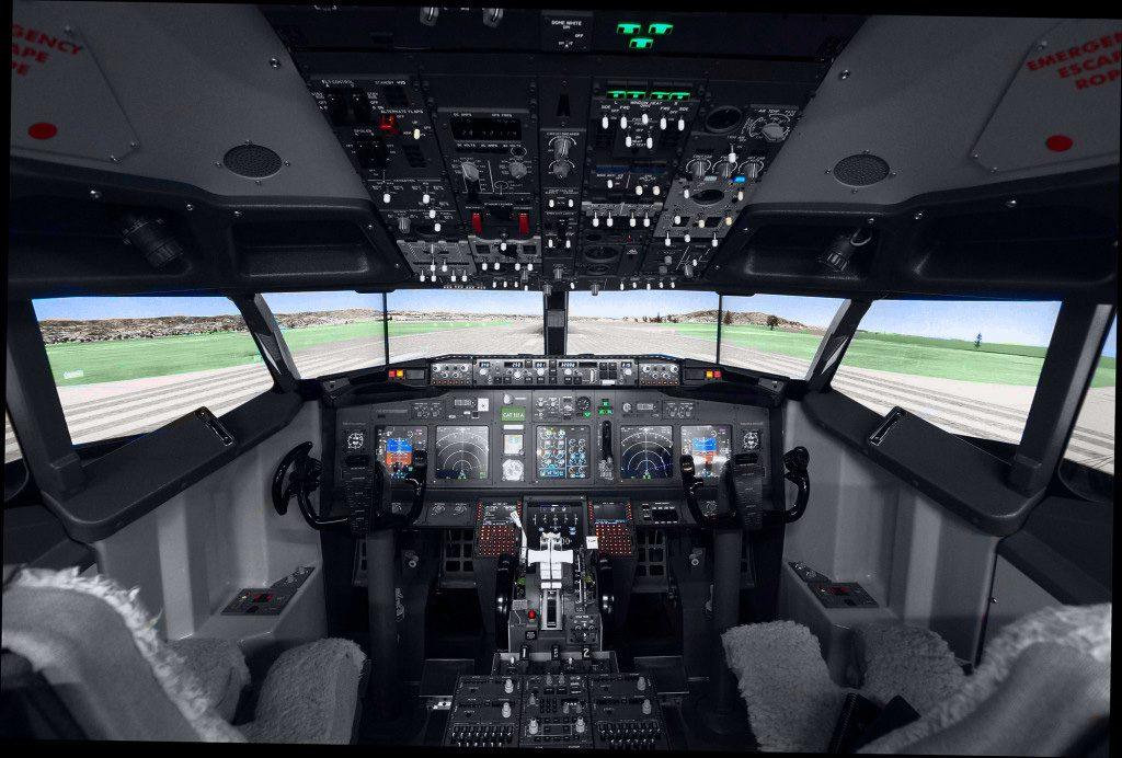 737 Inside Cockpit 1024×692